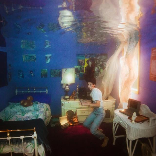 weyes-blood-titanic-rising-album-cover-1554324111-640x640.jpg